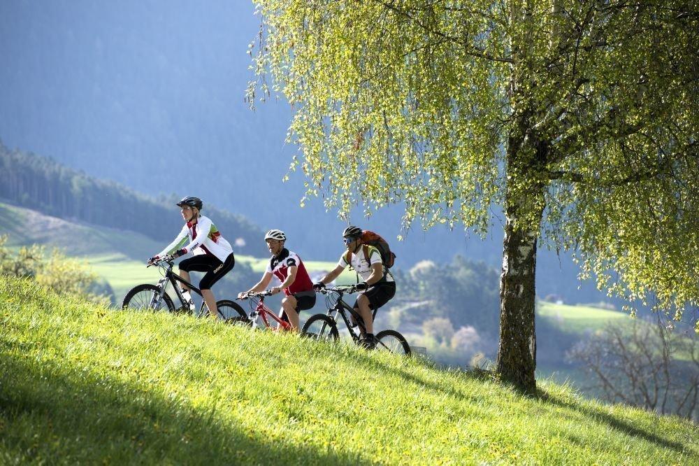 Escursionismo e bici in vacanza a marzo